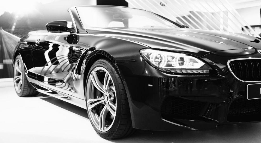 Sort BMW cabriolet